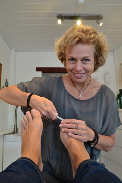 Marianne klipper negle